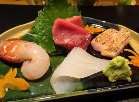 大人が普段づかいできるお寿司屋さん。カウンターで握りと日本酒と大将との会話を楽しむ。@鮨染井金平 恵比寿