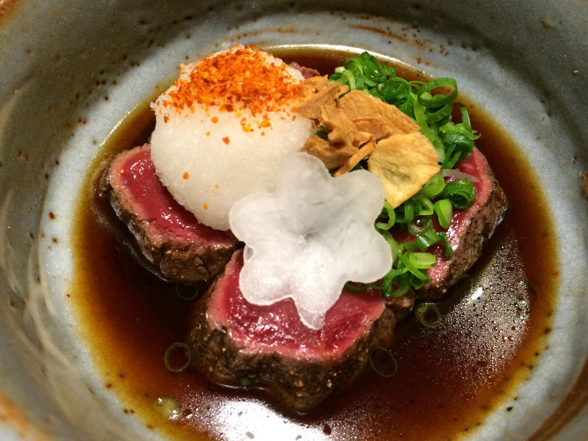 普通の居酒屋と思いきや、落ちついた和個室で厚切りの馬肉と日本酒が楽しめる良店!@あぶみ邸(五反田)