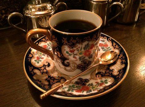 荒木町の異色コーヒー専門店。深夜でも丁寧なネルドリップコーヒーがいただけます!@珈琲専門 猫廼舎(ねこのや)