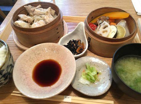 遊歩道沿いにあるカフェのような和食屋さん。ランチの使い勝手はいいかも!@ITEMAE(イテマエ)/奥渋谷
