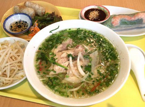 ランチはボリューミーだけど食べやすい!新宿二丁目でベトナム気分。@ベトナミング(新宿御苑)