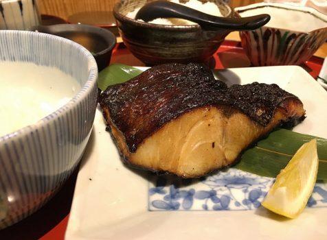 【麻布十番】たき下@大人気な焼き魚ランチ、カウンターはぎゅうぎゅう。