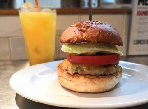 【池袋】No.18ダイニングバー@美しくそびえたつハンバーガー。見た目だけでなく味もサイコー!