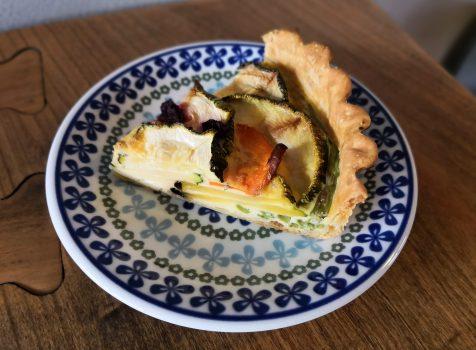 【飛騨高山】トミィ ミューズリー@地元食材を使ったカフェ。飛騨もものスムージと野菜キッシュをテイクアウトで。