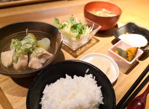 【五反田】小料理はなれ@カウンターの落ち着いた和食屋さん。夜も良さそう。