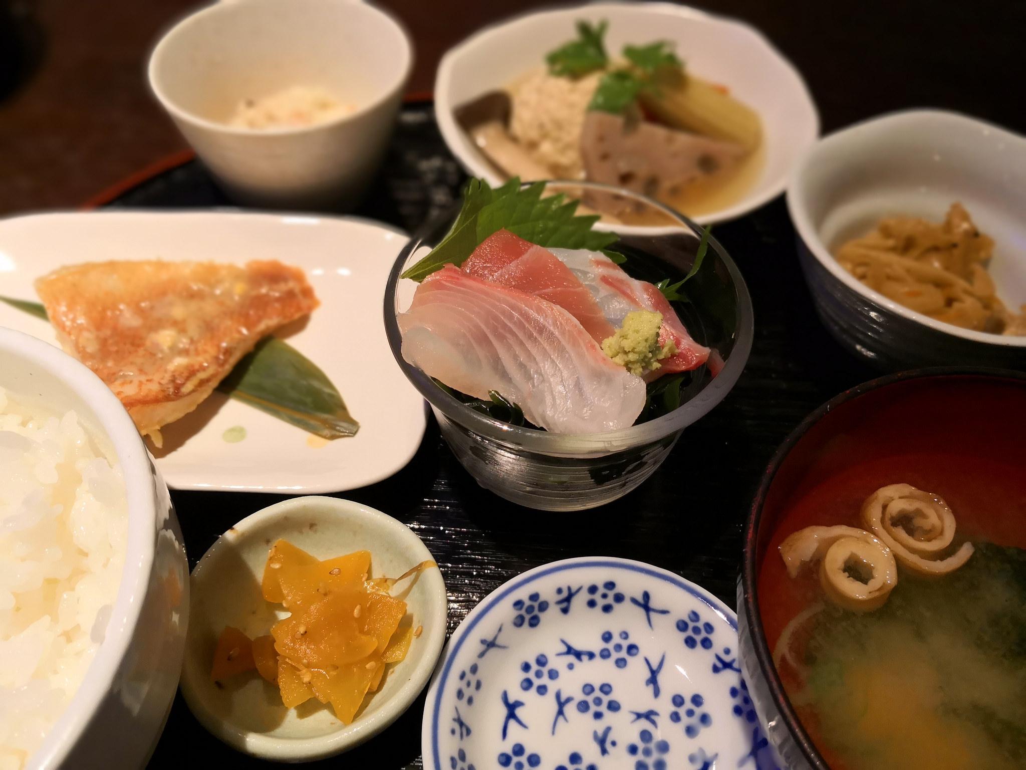 【五反田】Repas de Naoshima@和食ランチNo.1!素材の良さと小鉢の多さ料理の丁寧さとどれも満足。