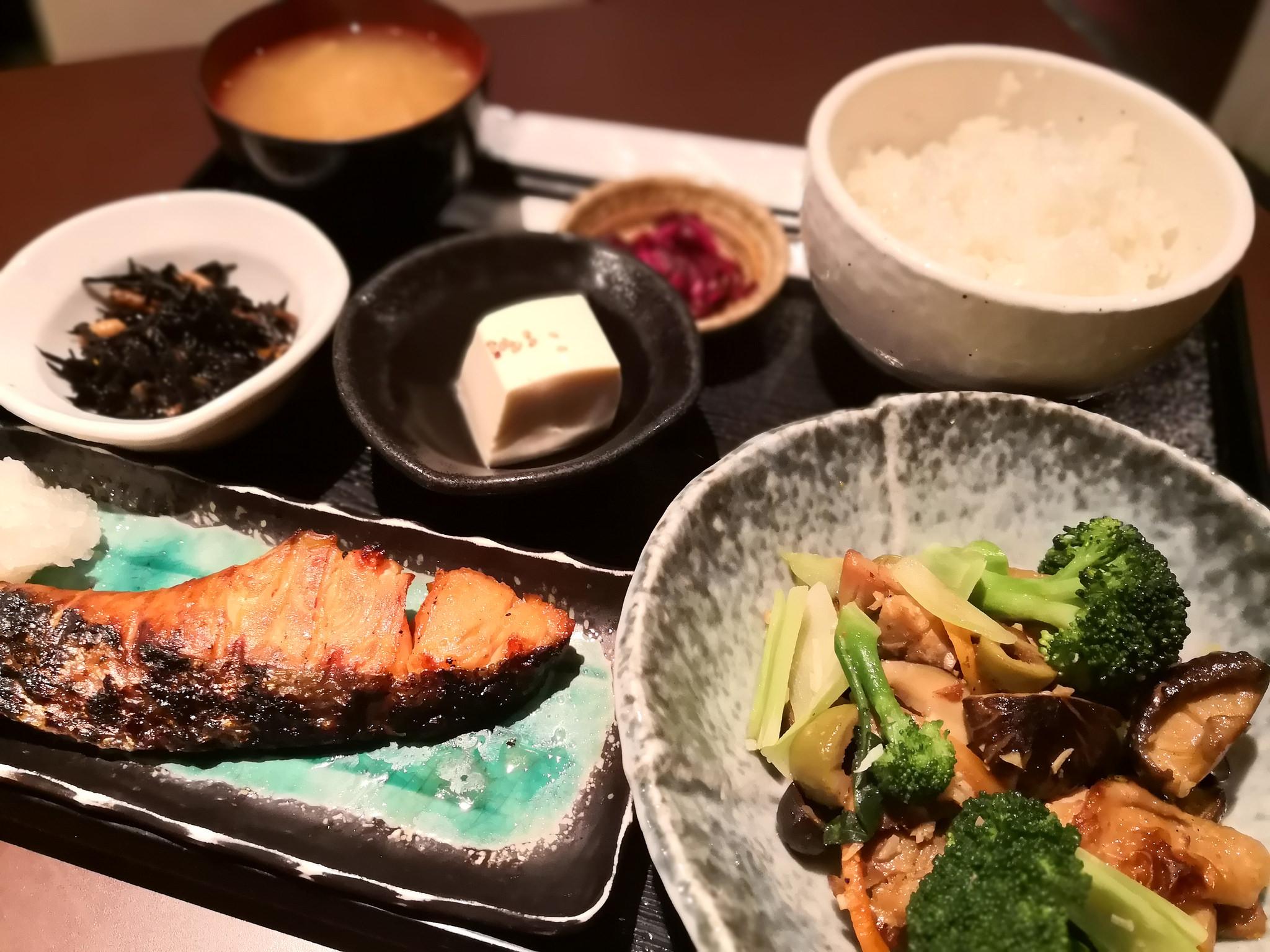 【五反田】花善@九州料理の居酒屋さんで具材がゴロゴロ、ボリュームランチ。