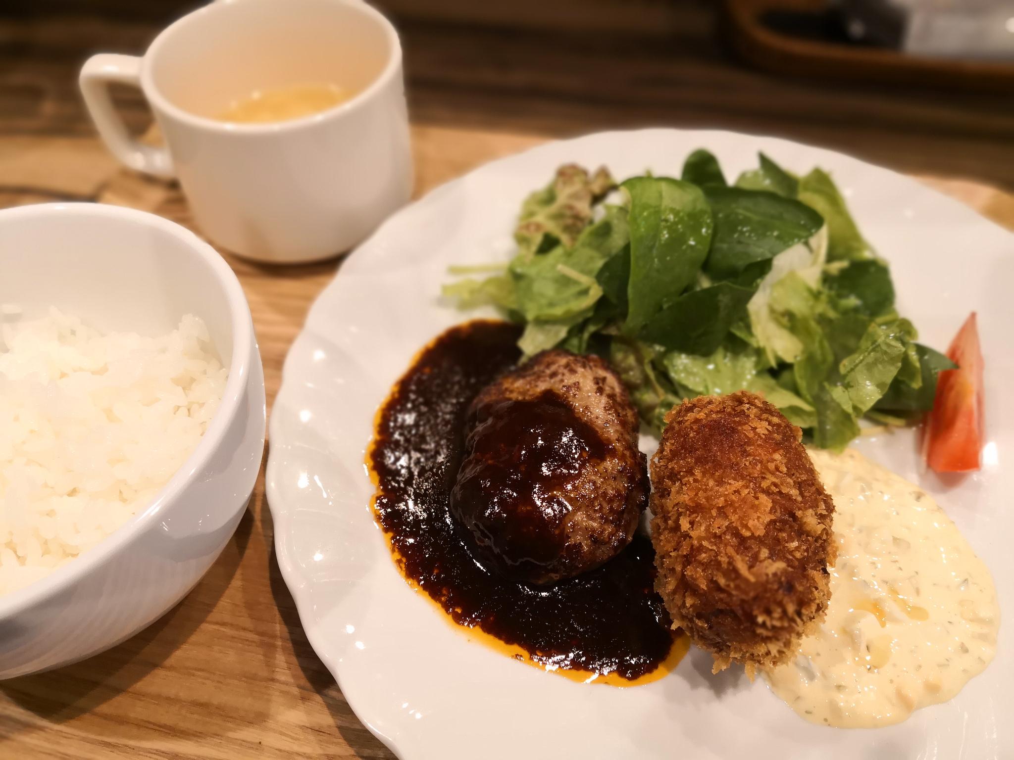 【五反田】洋食居酒屋 なっちゃん@裏路地にひっそりとある洋食ランチ。量は少なめですが味はいい感じ。