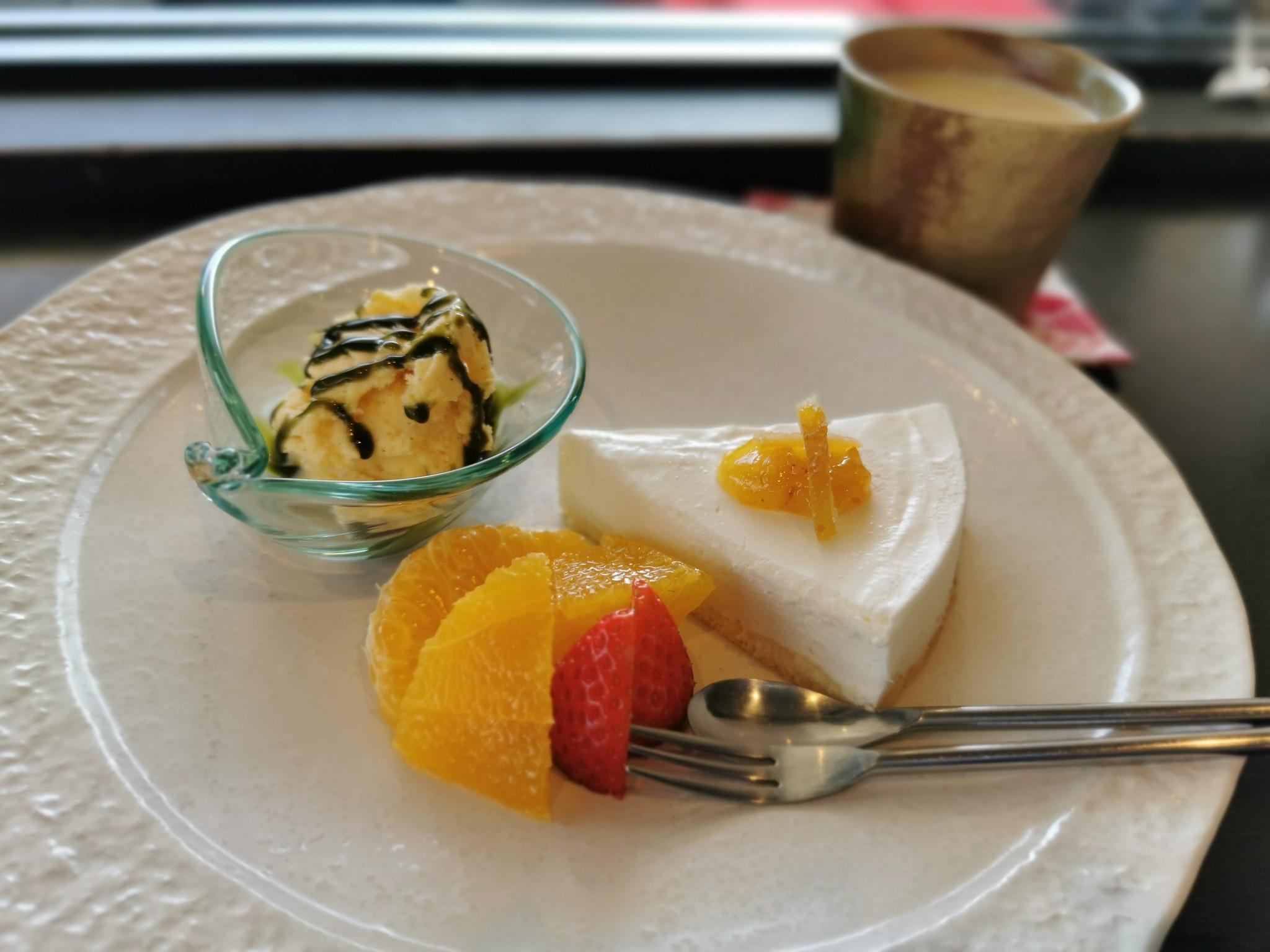 【熊野古道】茶房 靖@大斎原近くの喫茶店。ケーキセットには熊野番茶を使ったおばんチャイ。