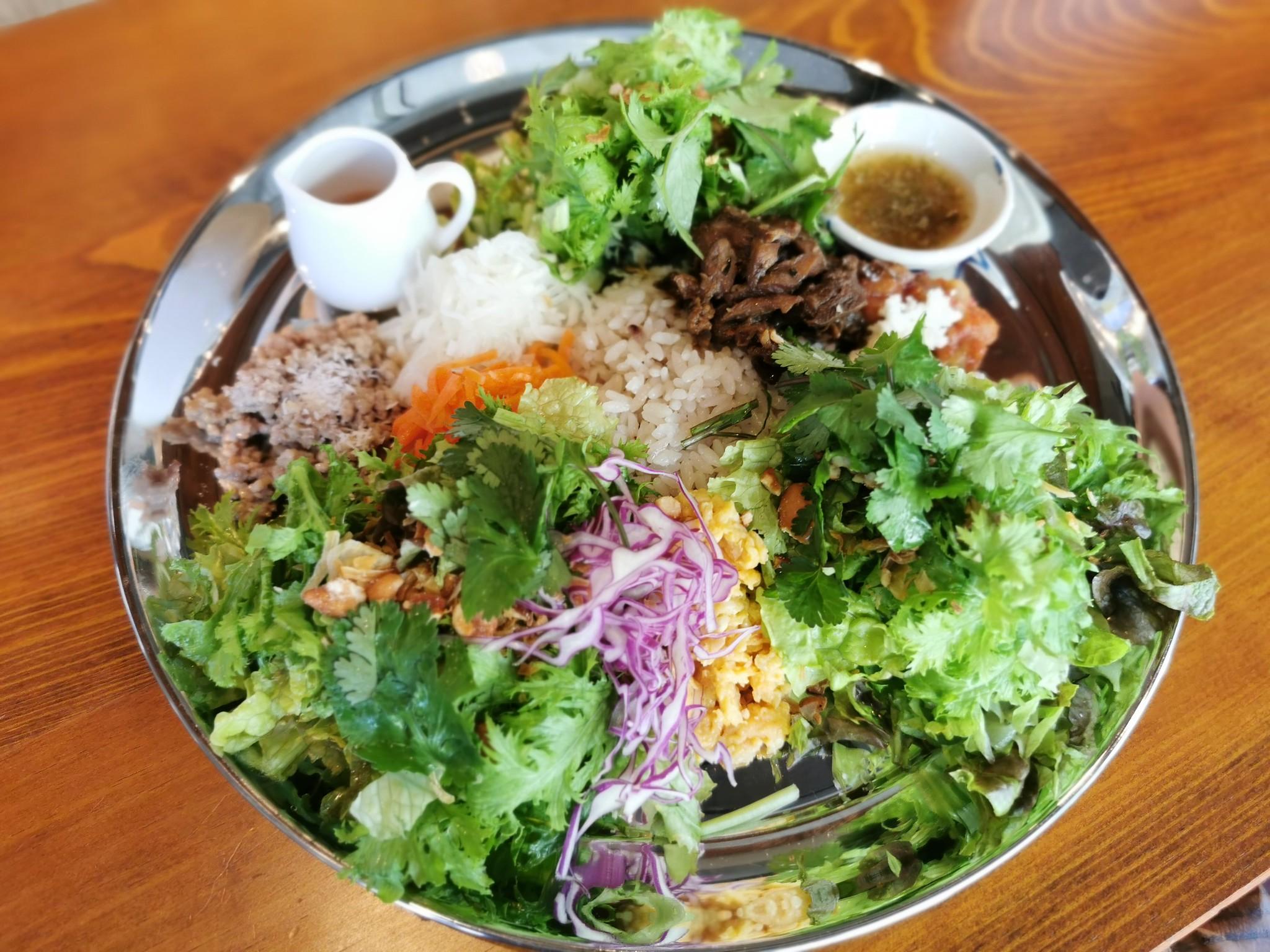 【祖師ヶ谷大蔵】ネムクリュ@野菜たっぷりランチは圧巻。カウンターでいただくカラフルなベトナムフレンチ。