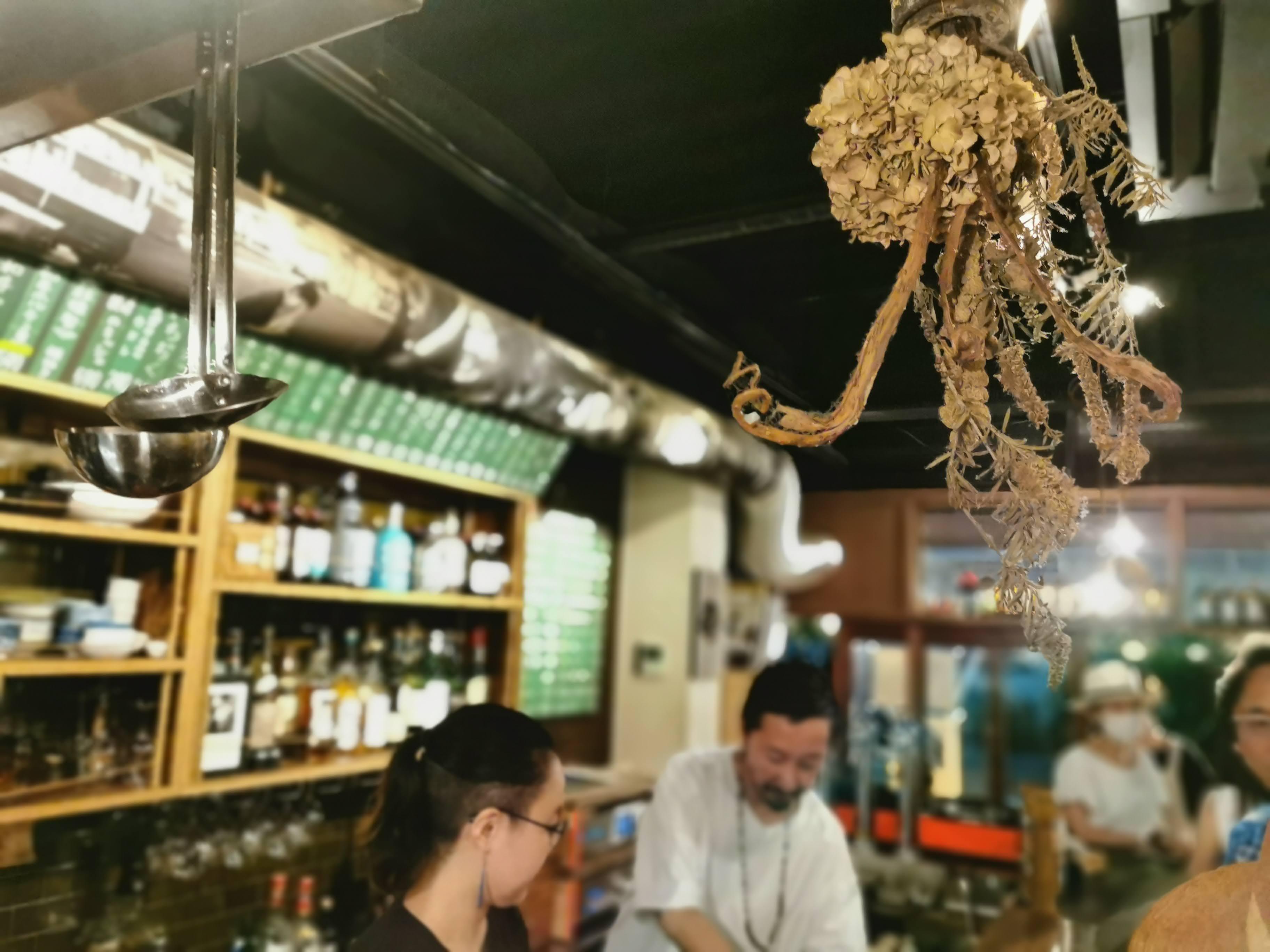 【大阪 堺筋本町】wapiti(ワピチ)@燻製料理をアテに、感度高めの大阪人が夜な夜な集まるゆるくて熱い店。