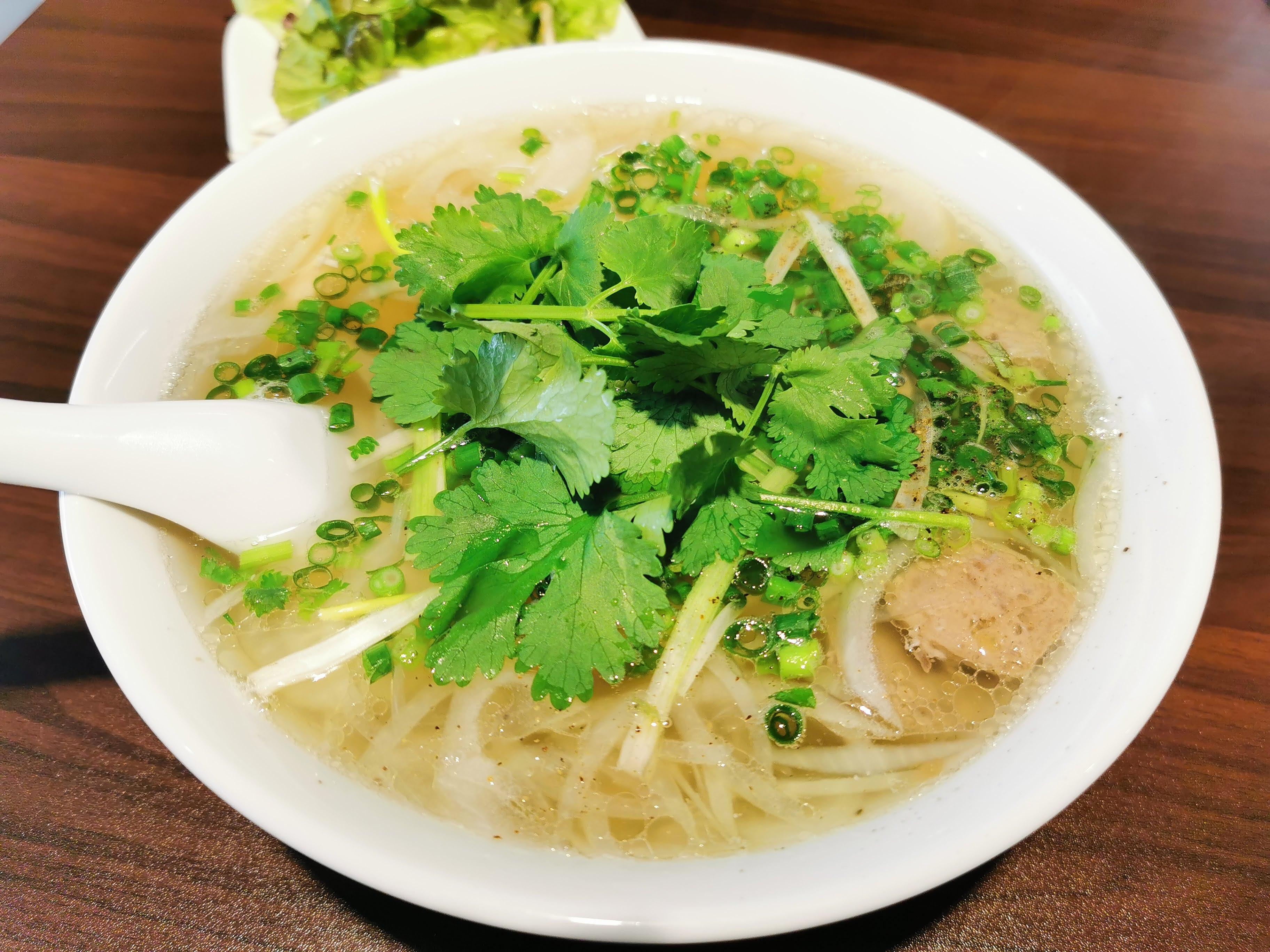 【鎌倉】フォー カットゥン@ベトナム人シェフがつくる本格的なフォー。コクのある絶品スープがたまらない。