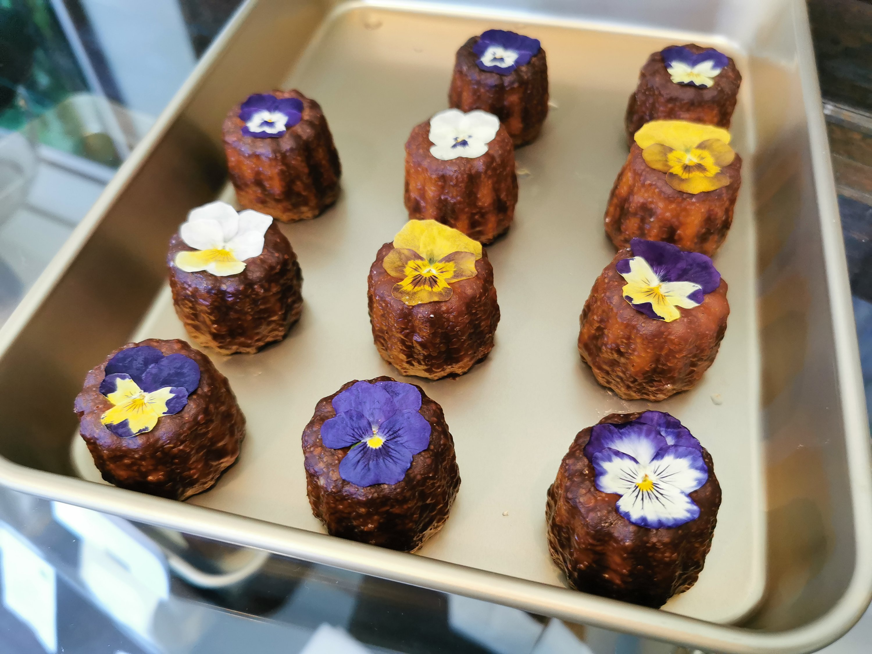 【北鎌倉】マヤノカヌレ@お花のカヌレ専門店。米粉カヌレはエディブルフラワーで可愛らしく。